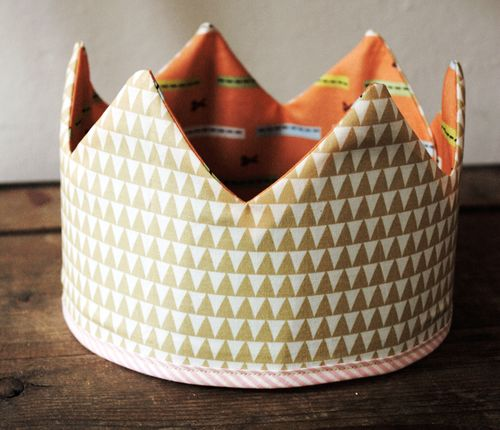 Finished fabric play crown