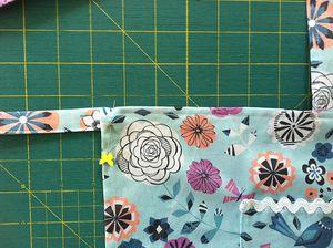 Pinning_waist_ties