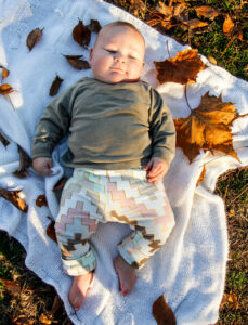 Spoonflower - Knit baby leggings tutorial