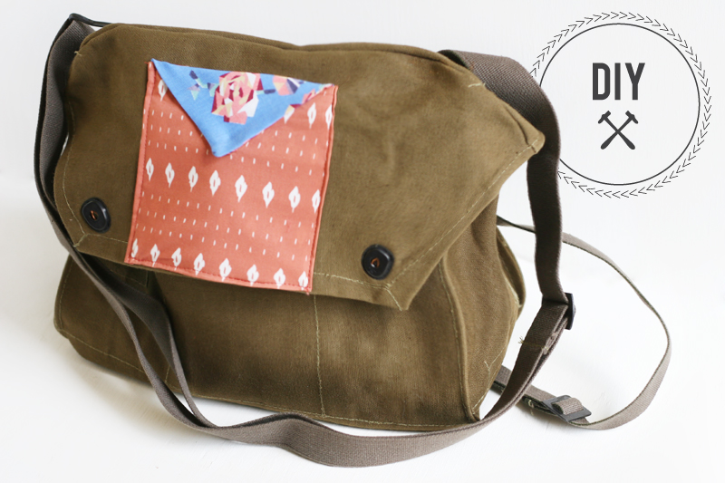 Vintage messenger bag with pattern pocket