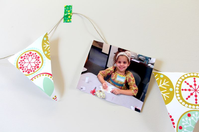 Gift wrap bunting