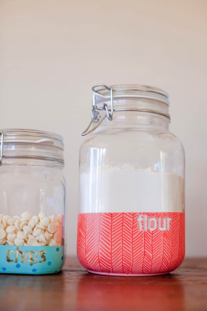 DIY-dipped-jars-with-pattern