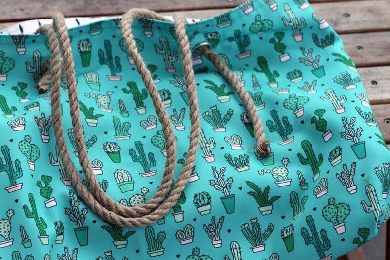 learn to seew a versatile Eco Canvas beach tote