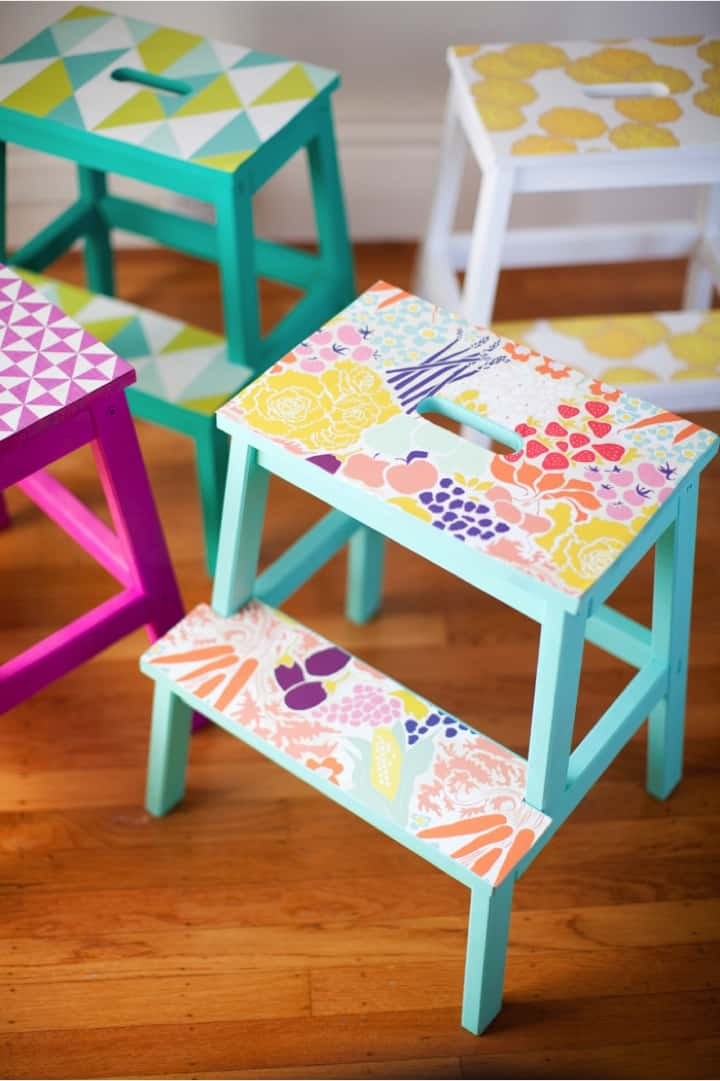DIY-wallpaper-stools