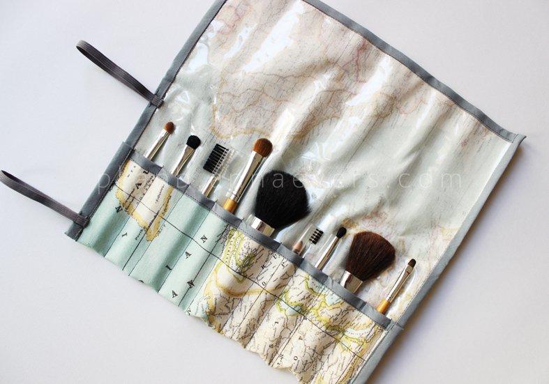 Travel brush kit
