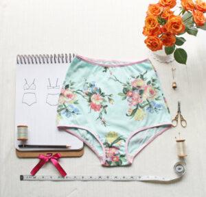 Cute ladies, high-waisted underwear
