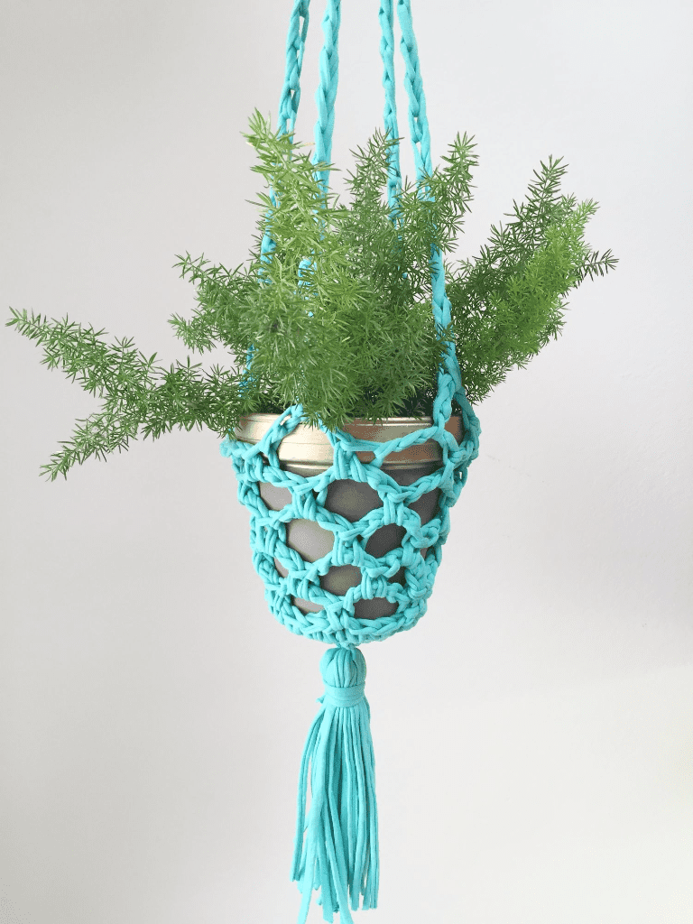 Hanging Planter by Clover Needlecraft