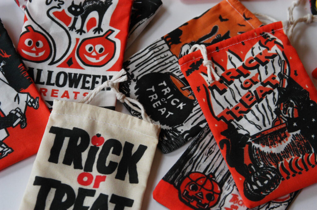 cut and sew Halloween treat bags with Heidi Kenney
