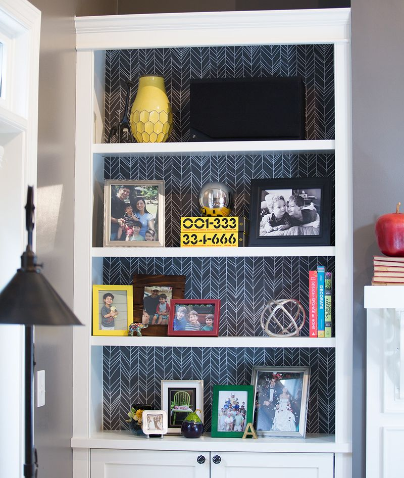 President of Spoonflower, Allison Polish gives her book shelves a refresh with Woven Peel and Stick removable wallpaper