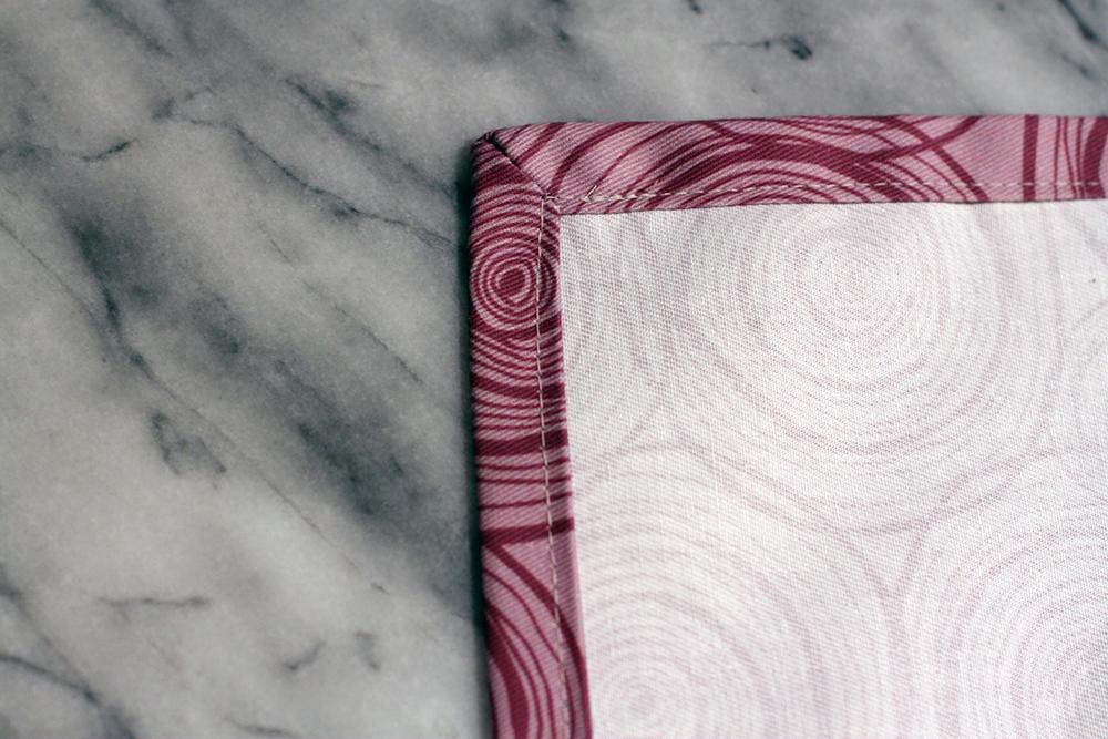 Perfekten Briefecken, Stoffservietten selber machen