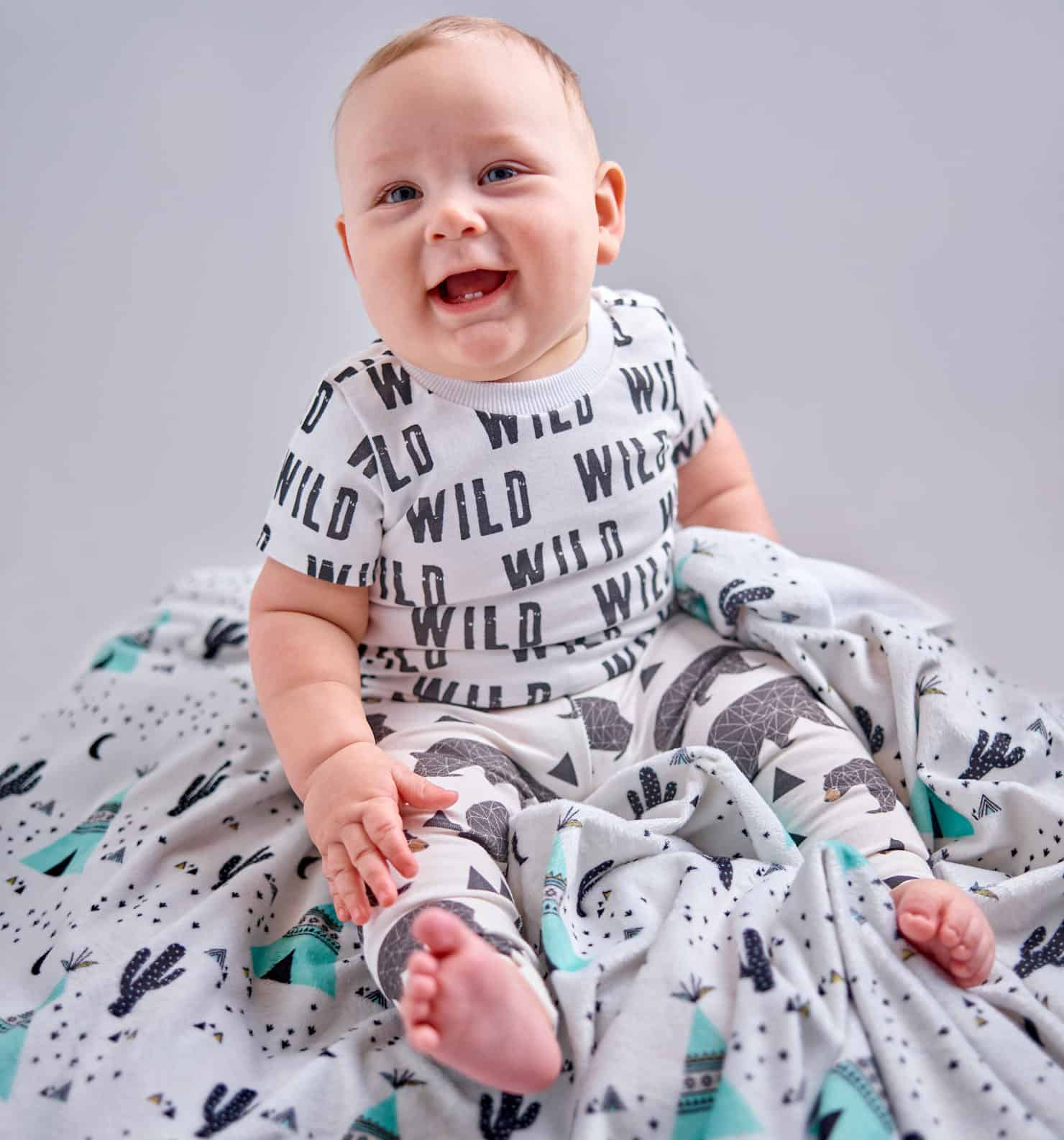 We're going wild over this DIY baby tee and leggings | Spoonflower Blog