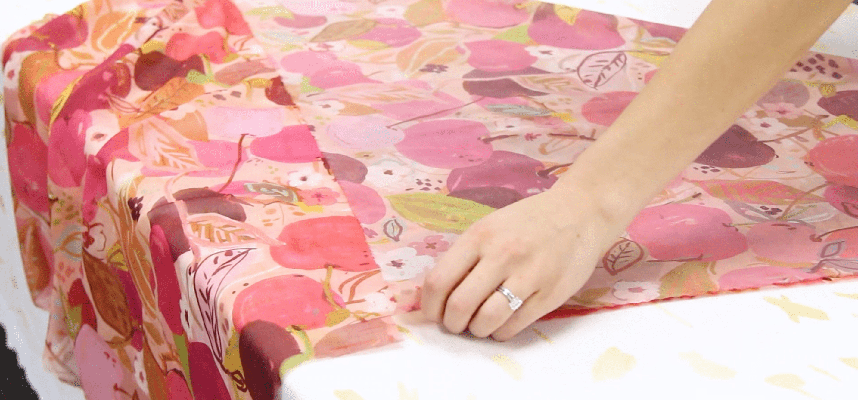 Creating an unhemmed square by snipping and ripping your fabric | Spoonflower Blog