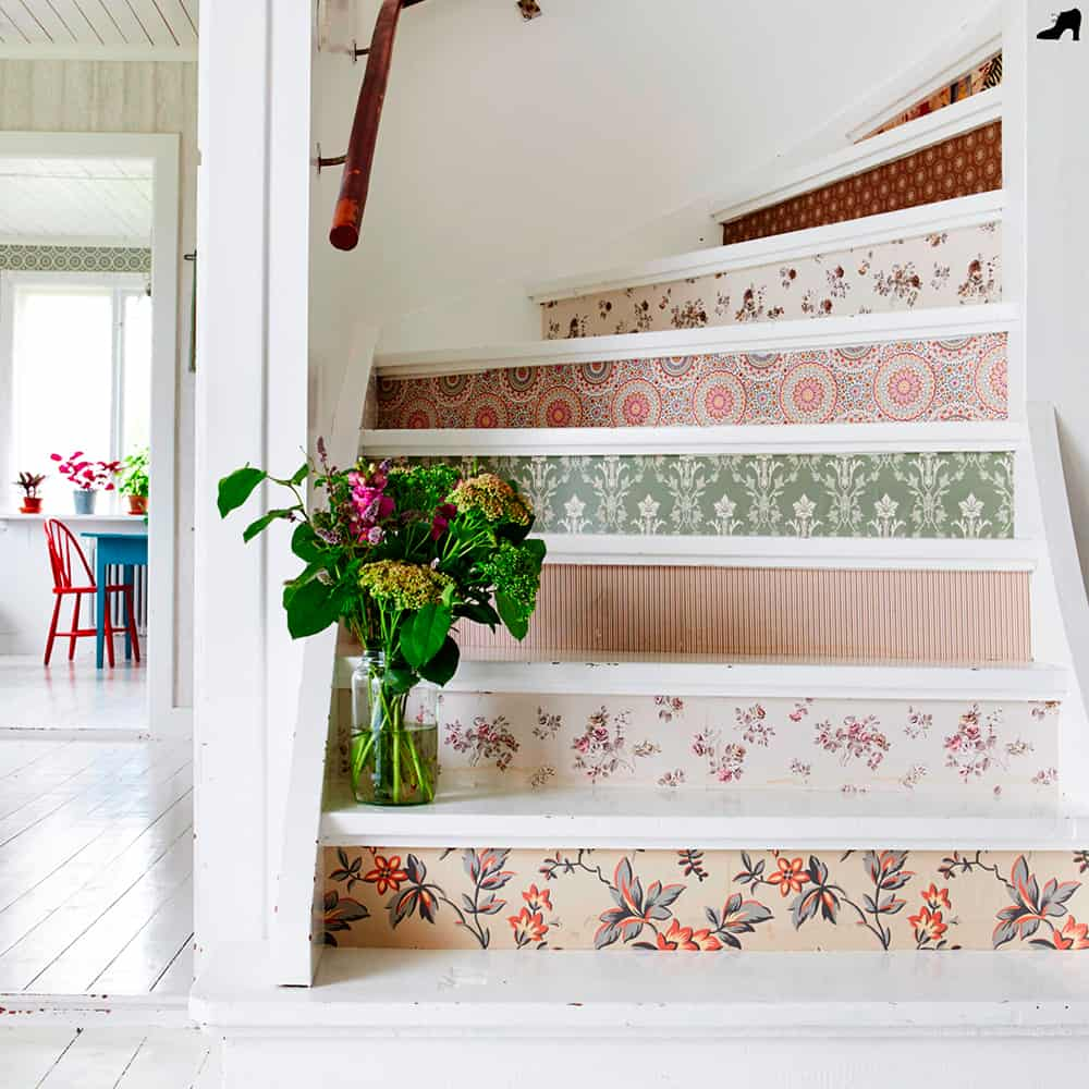 Botanical wallpaper with a pop of pattern add style to a stairway | Spoonflower Blog