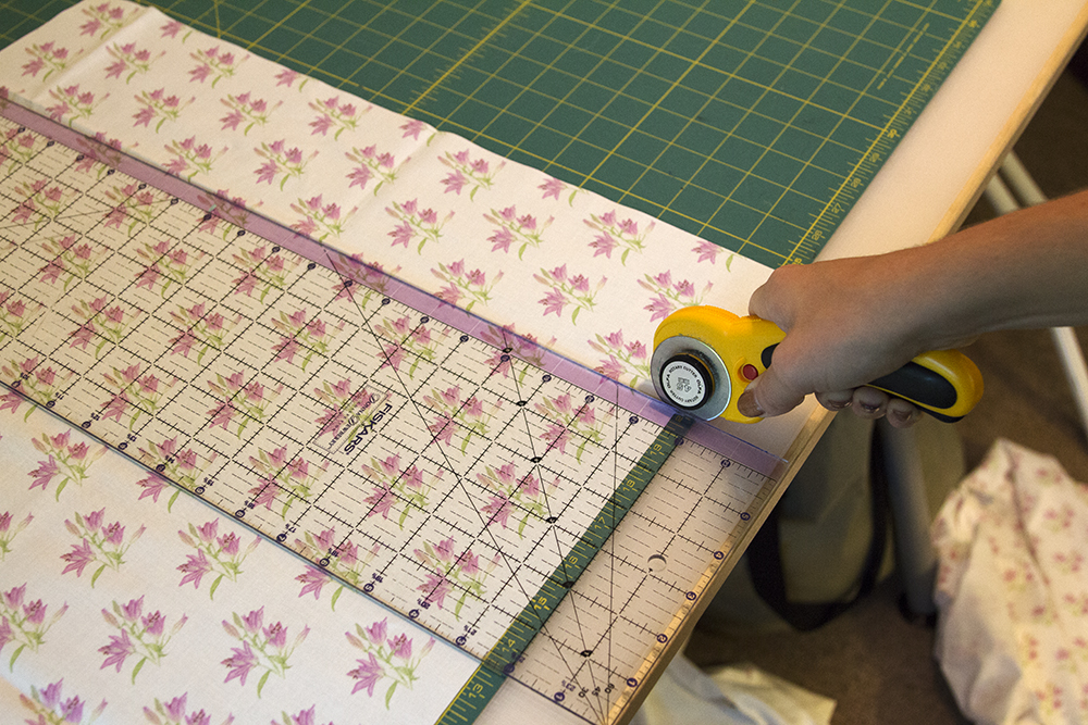 "Cut a 20"" x 12"" rectangle for your apron base 