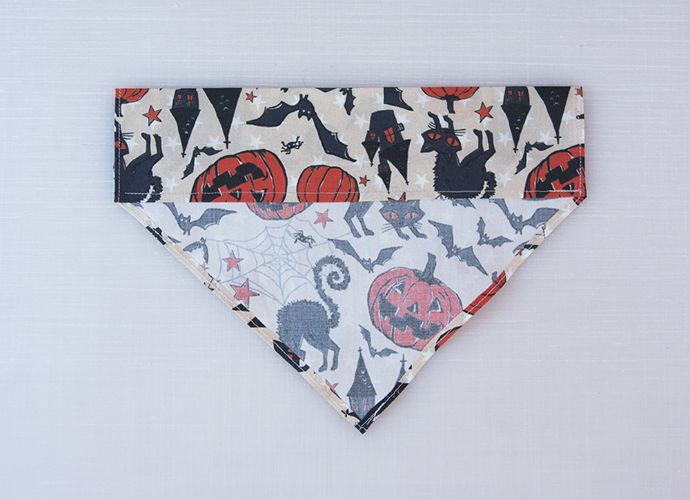 Create the collar pocket for the dog bandana | Spoonflower Blog