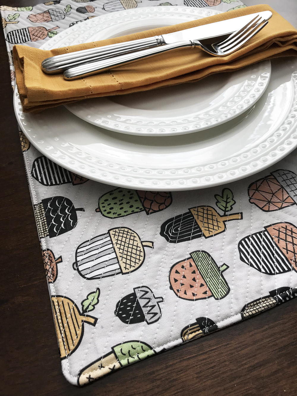 Fool-Proof DIY Placemats for the Holidays | Spoonflower Blog