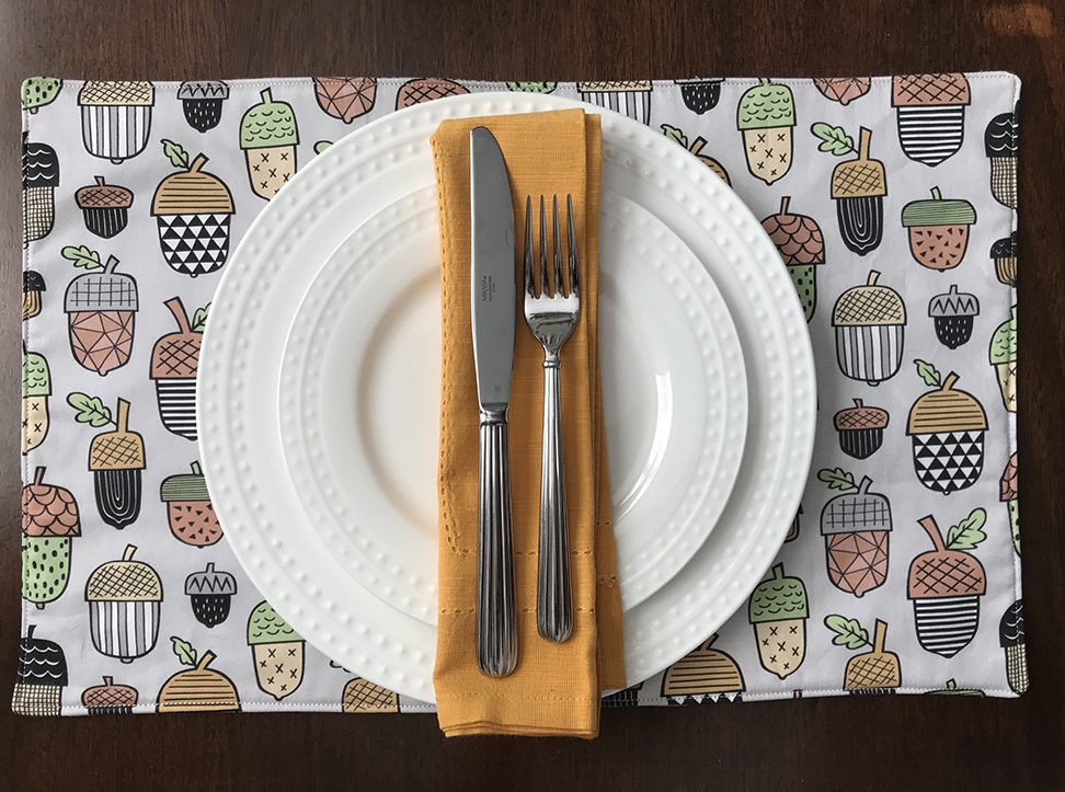 Fool-Proof DIY Placemats for the Holidays