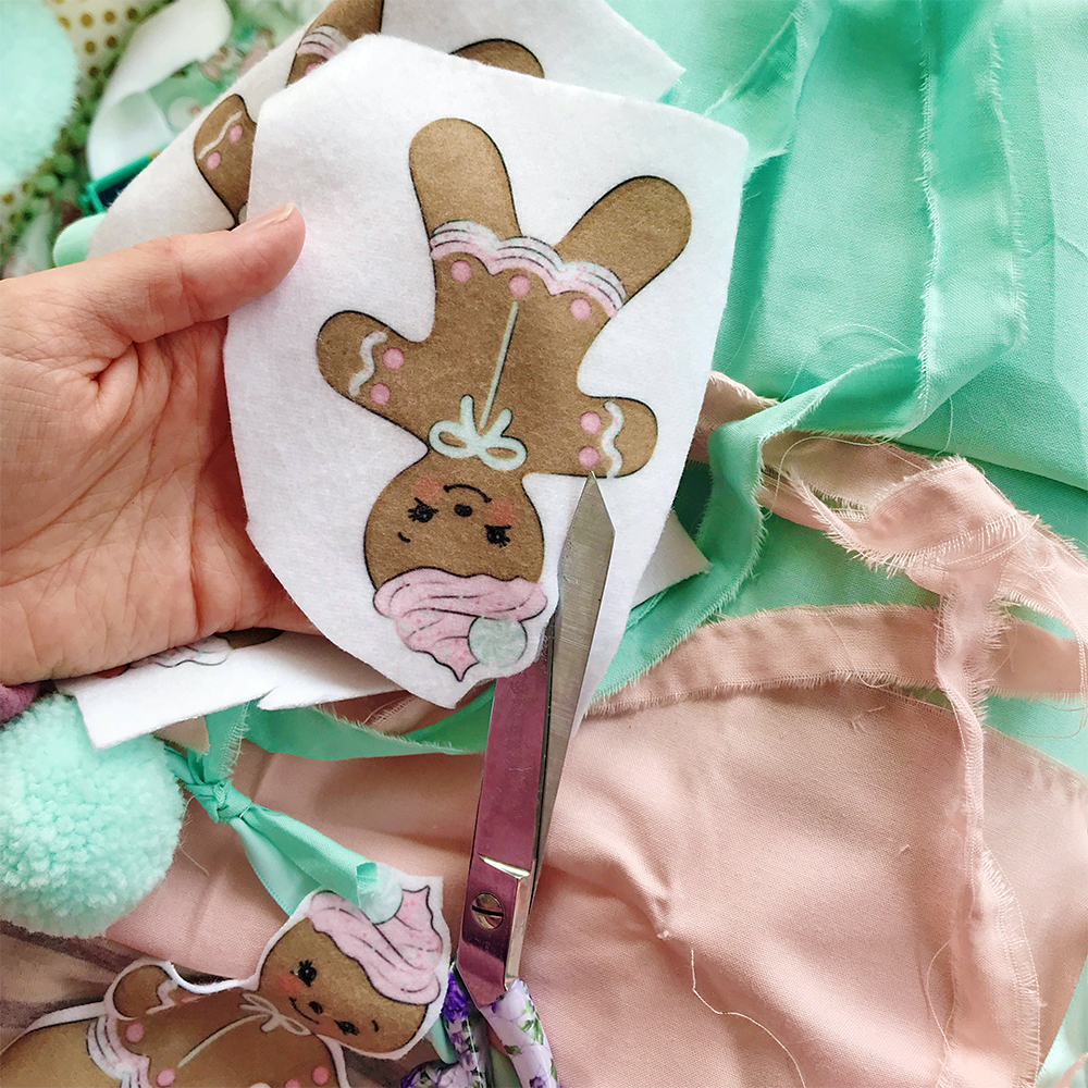 Cut out your gingerbread bunting | Spoonflower Blog