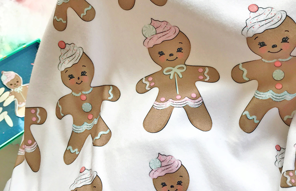 DIY gingerbread bunting on fleece | Spoonflower Blog
