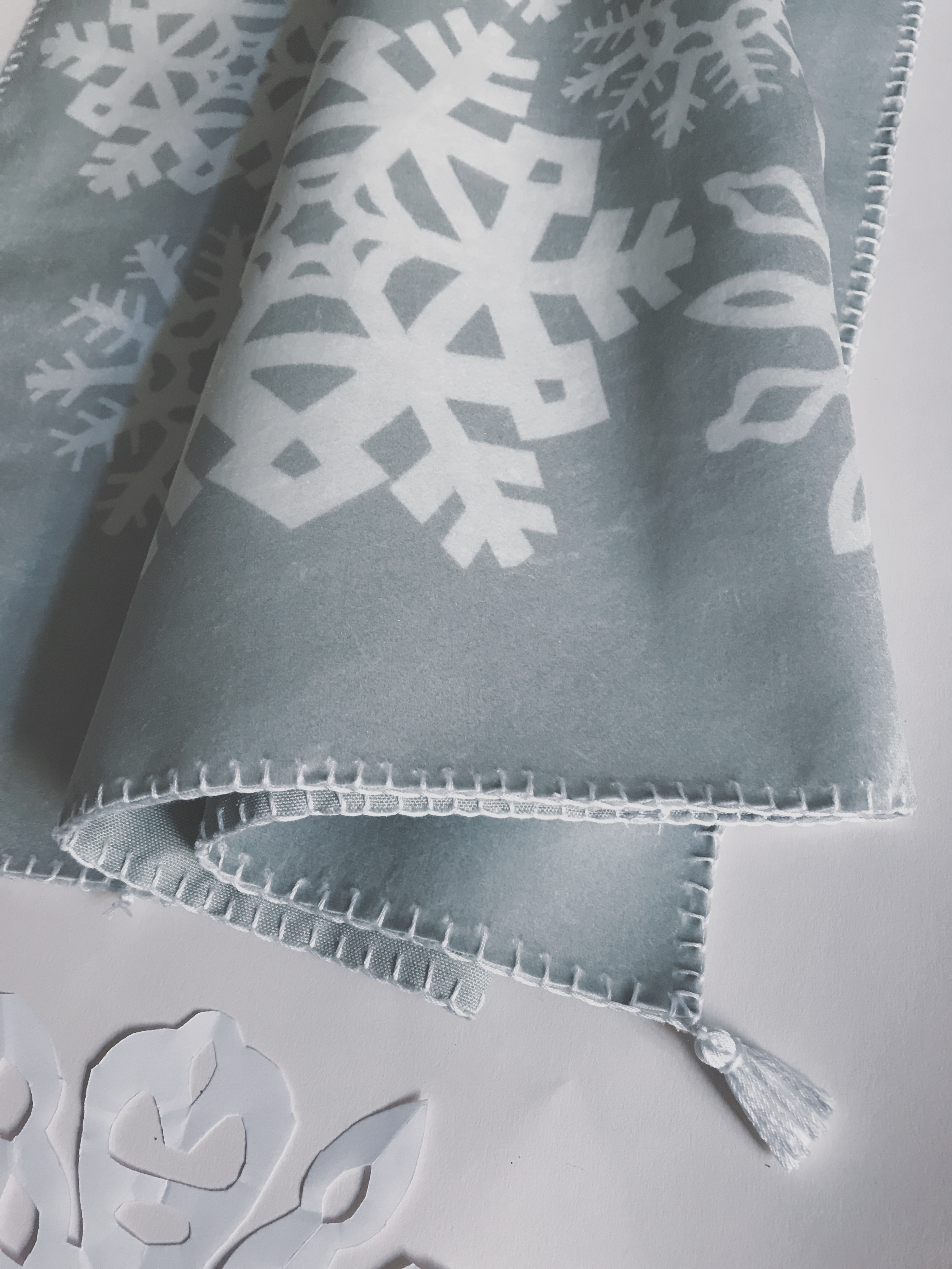Making Spirits Bright: DIY Paper Snowflake Table Runner | Spoonflower Blog