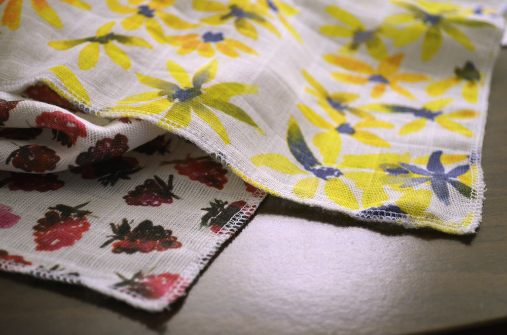 Serge or zig-zag stitch the edges of your Organic Sweet Pea Gauze | Spoonflower Blog