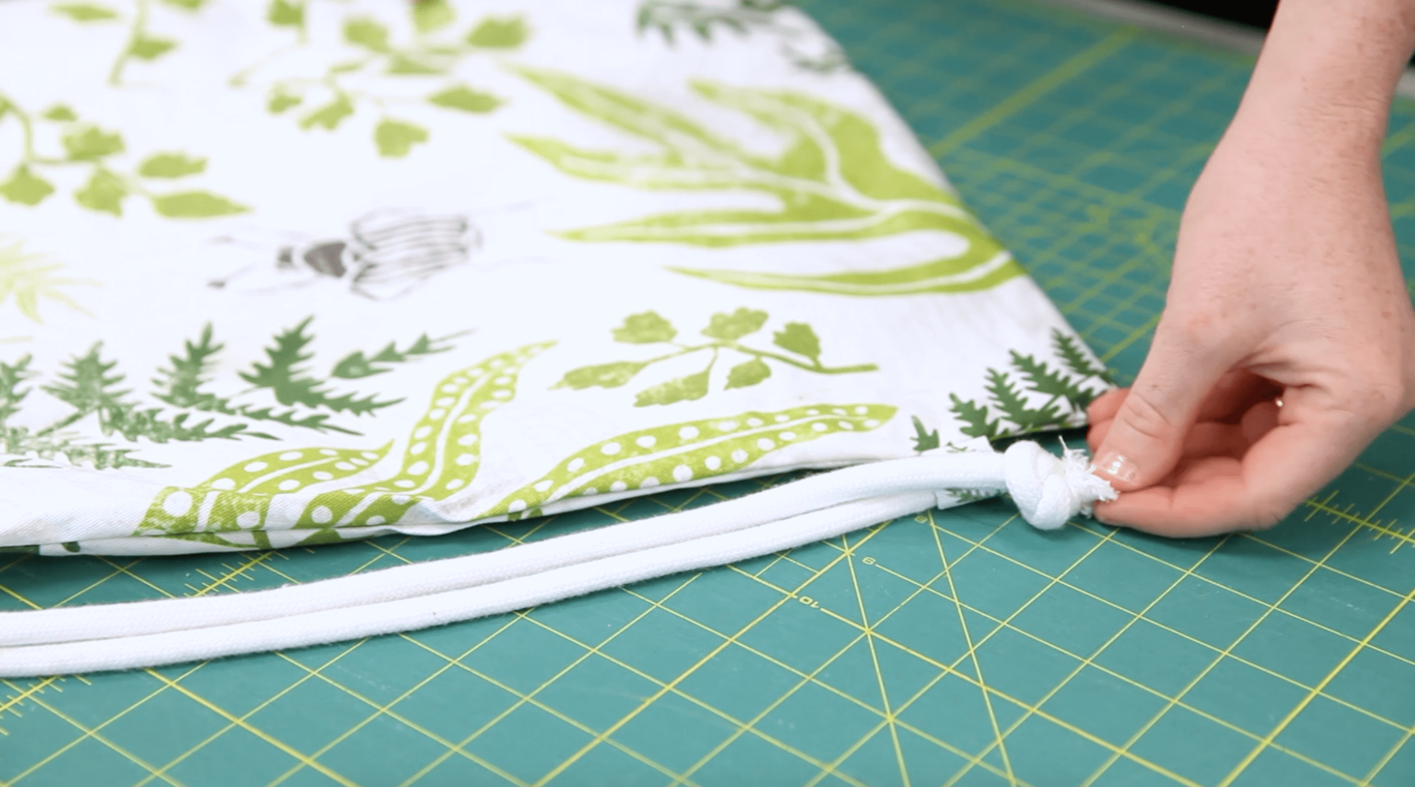 DIY Drawstring Backpack - thread the drawstring | Spoonflower Blog