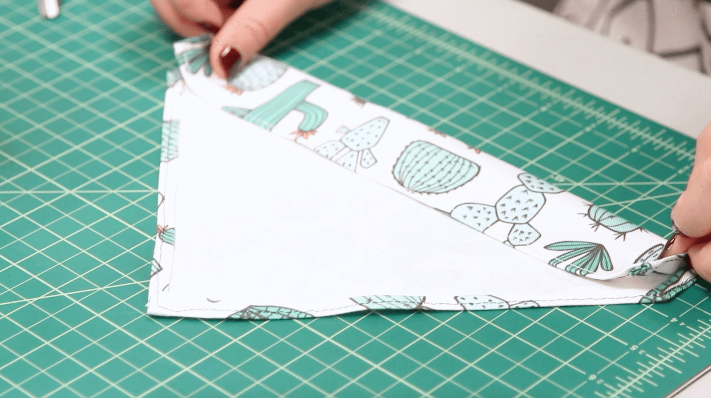 Easy Pet Bandanas - create the pocket for the collar | Spoonflower Blog