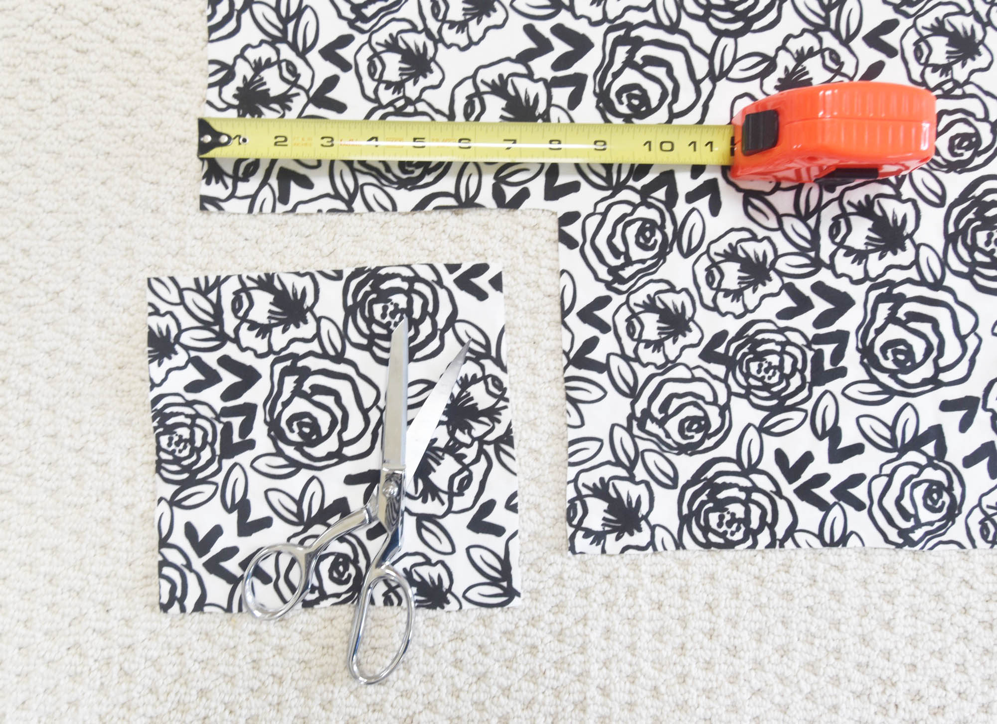 DIY Crib Sheet by The Style Safari | Spoonflower Blog