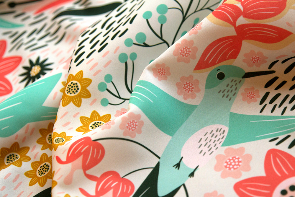 First place in the Animals by Air design challenge: Hummingbird by melarmstrongdesign | Spoonflower Blog