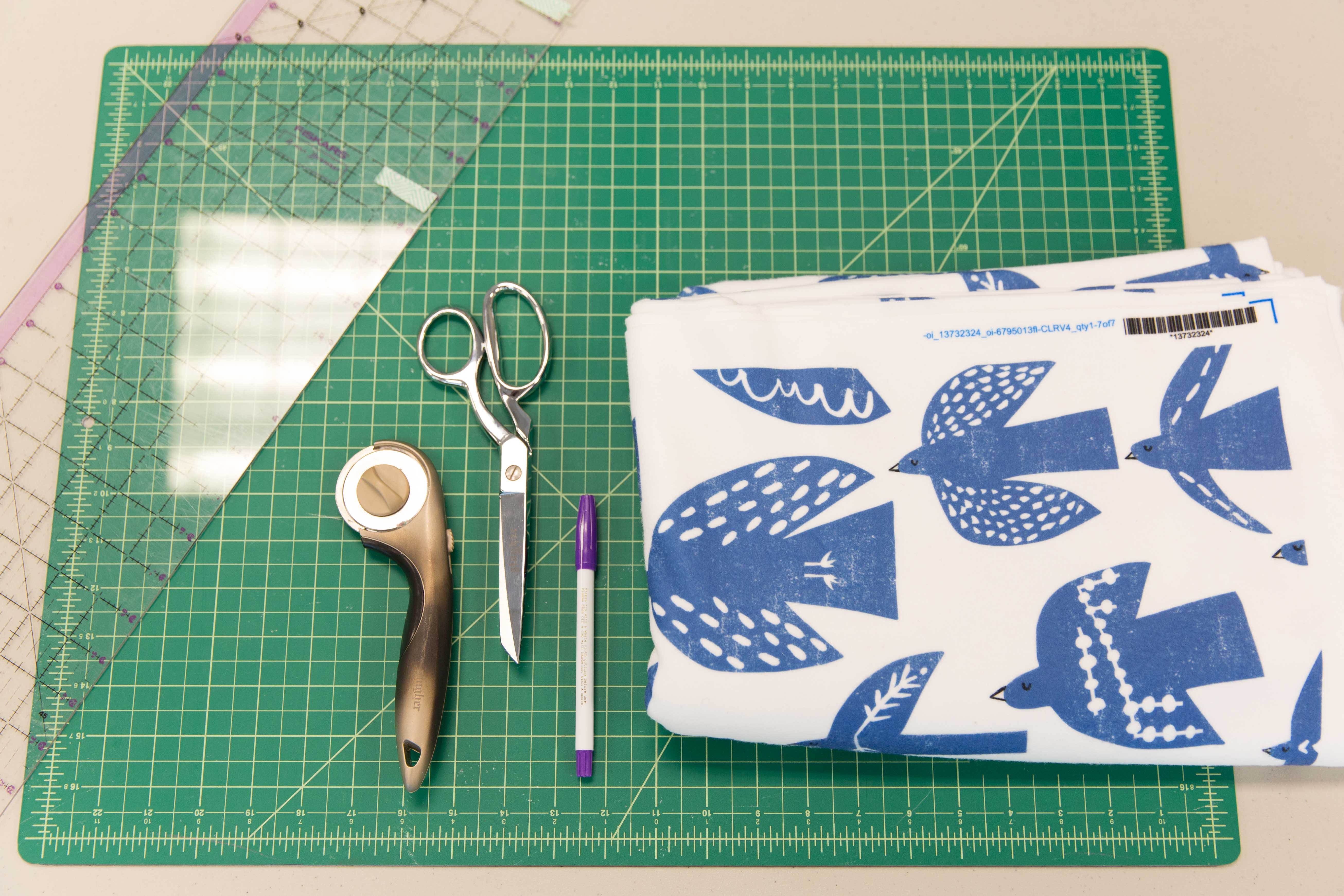 How to Make the Perfect Gift: A No-Sew Fleece Blanket | Spoonflower Blog