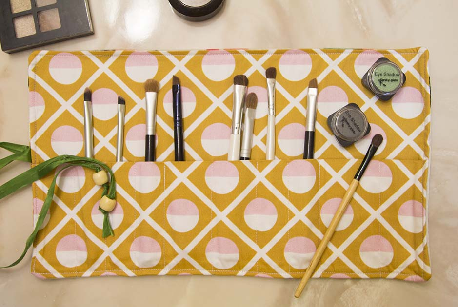 DIY Make-Up Pinseltasche