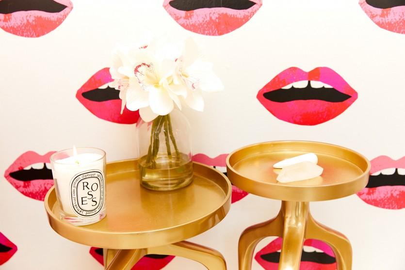 10 DIY-Tapeten Projekte für deine Wohnung - Lippen Tapete