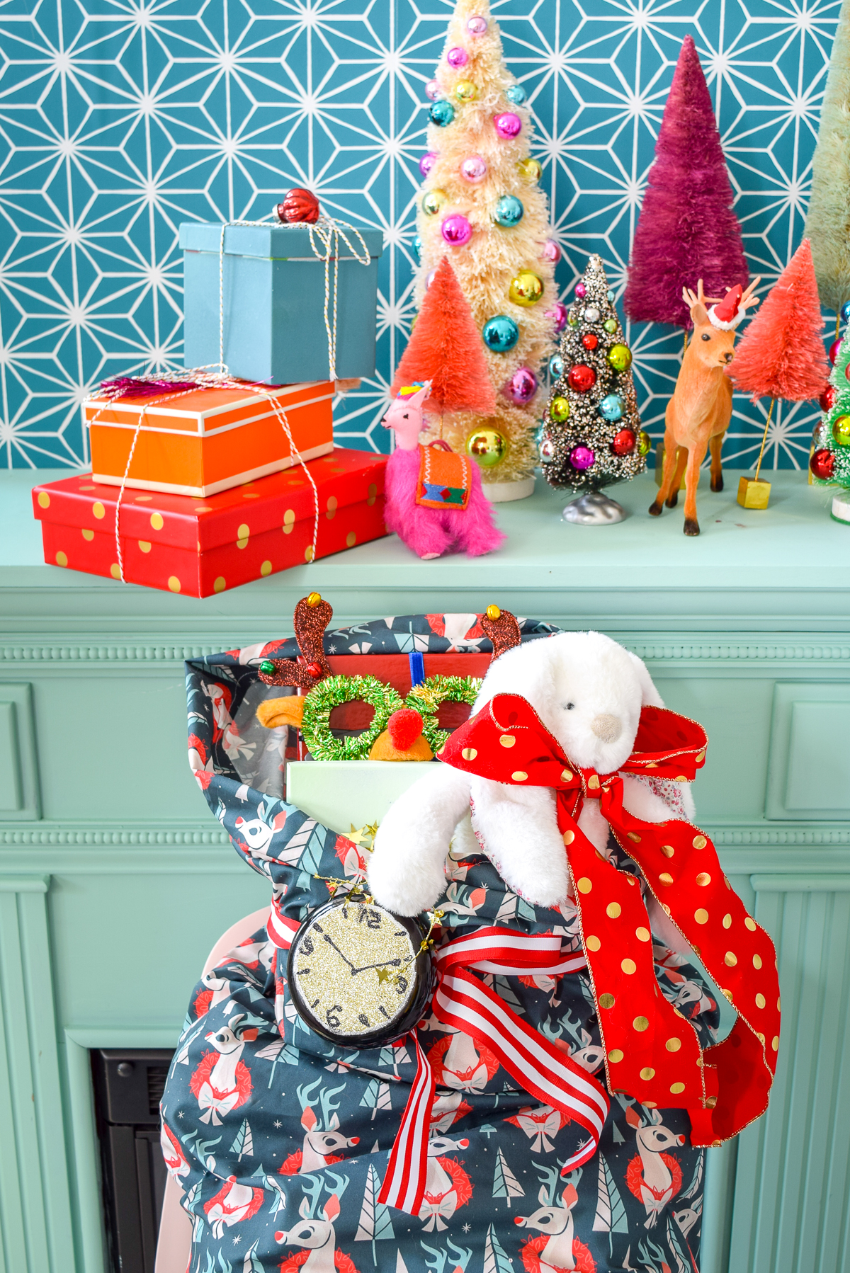 Spread Christmas Cheer with DIY Santa Sacks | Spoonflower Blog