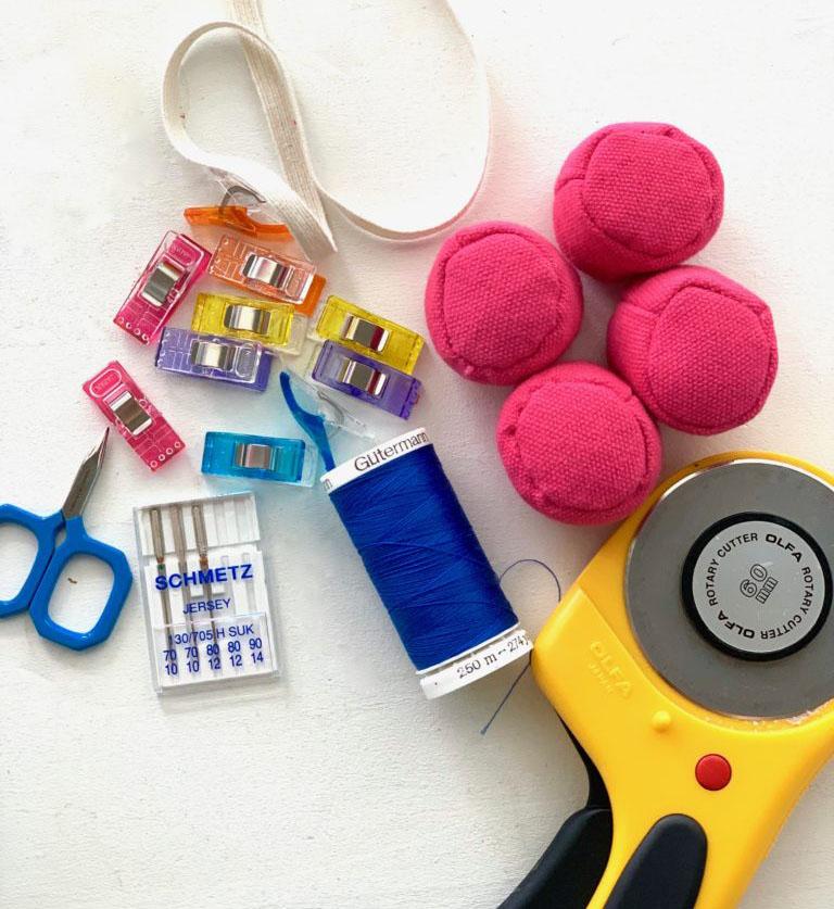 Diese Materialien brauchst du zum Nähen mit Sport Lyccra