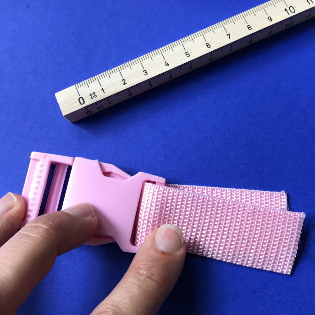Attach webbing to end pieces | Spoonflower Blog