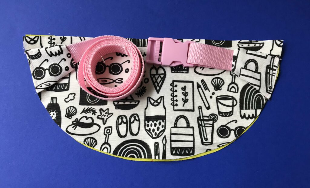 Attach the webbing and end pieces to the front piece of the bum bag | Spoonflower Blog
