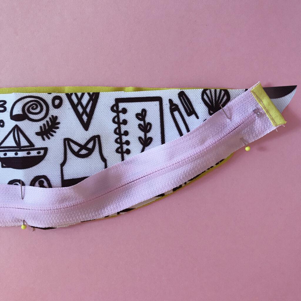 Attach the bum bag zipper | Spoonflower Blog