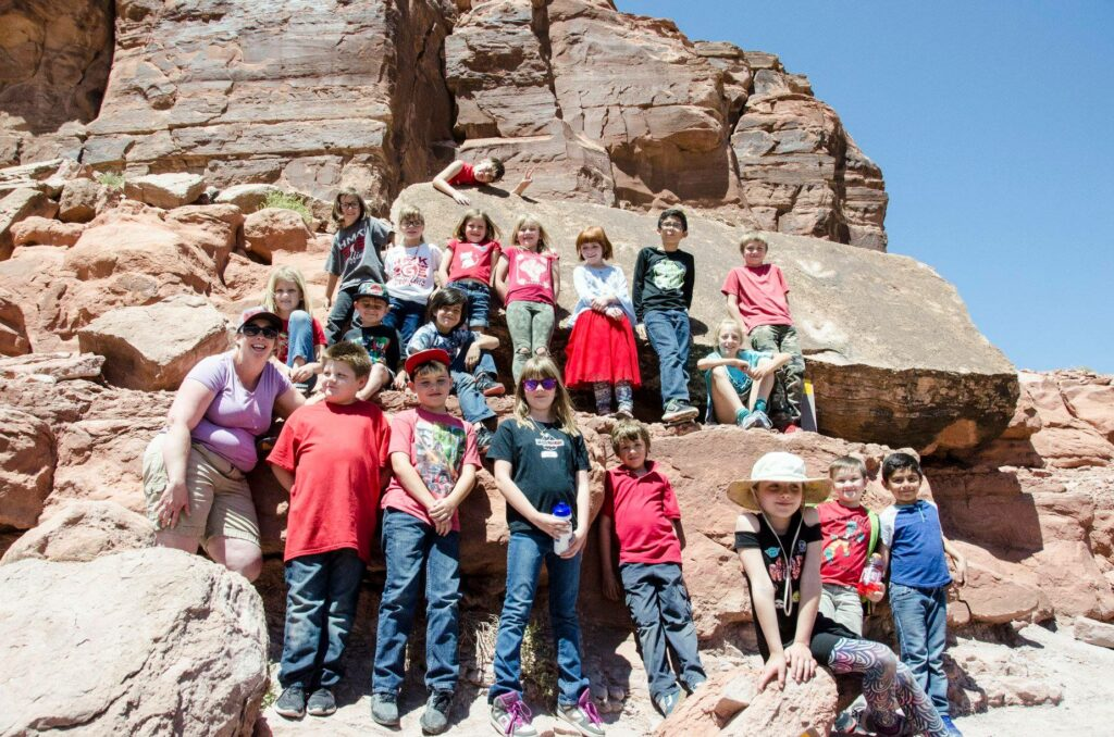 Students of the Moab Beacon Afterschool Program take the classroom outside! | Spoonflower Blog