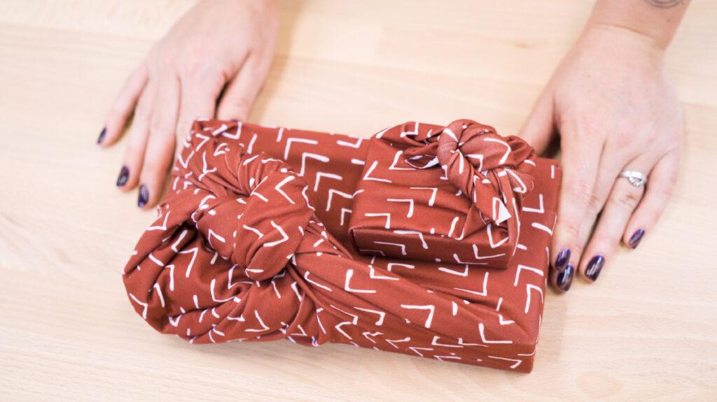 6 Ways to Wrap a Gift with Furoshiki - corner tie | Spoonflower Blog