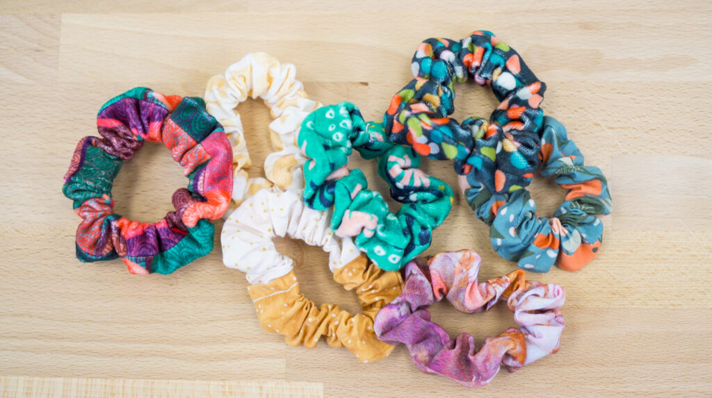 How to Make a Scrunchie with Just a Fat Quarter of Fabric | Spoonflower Blog
