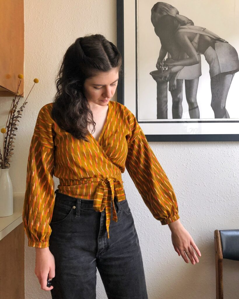 A Zadie Jumpsuit turned into a blouse by Catherine of @threadsnips | Spoonflower Blog
