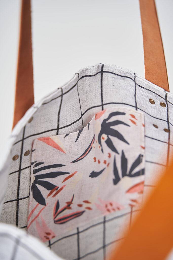25 Ways to Customize The Everyday Tote Bag Featuring Belgian Linen™ | Spoonflower Blog