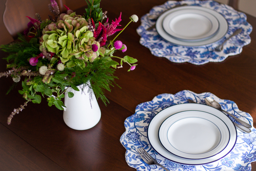 DIY Double-Sided Scalloped Placemats | Spoonflower Blog