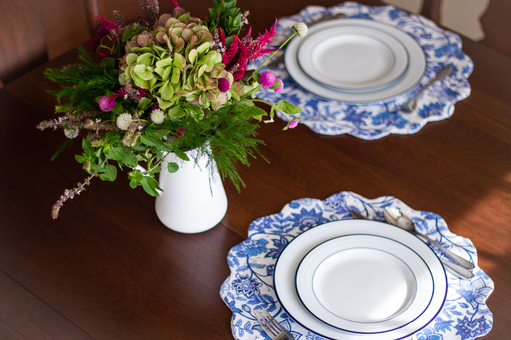 Set the table with DIY double-sided scalloped placemats | Spoonflower Blog