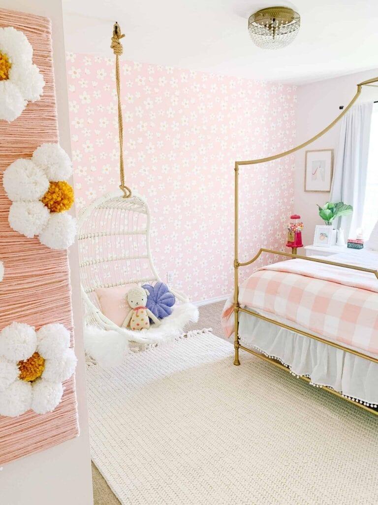Rosarote Blumentapeze fürs Kinderzimmer