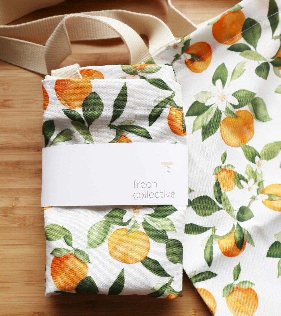 Eine Einkaufstasche mit Orangendesign  aus Recyceltem Canvas