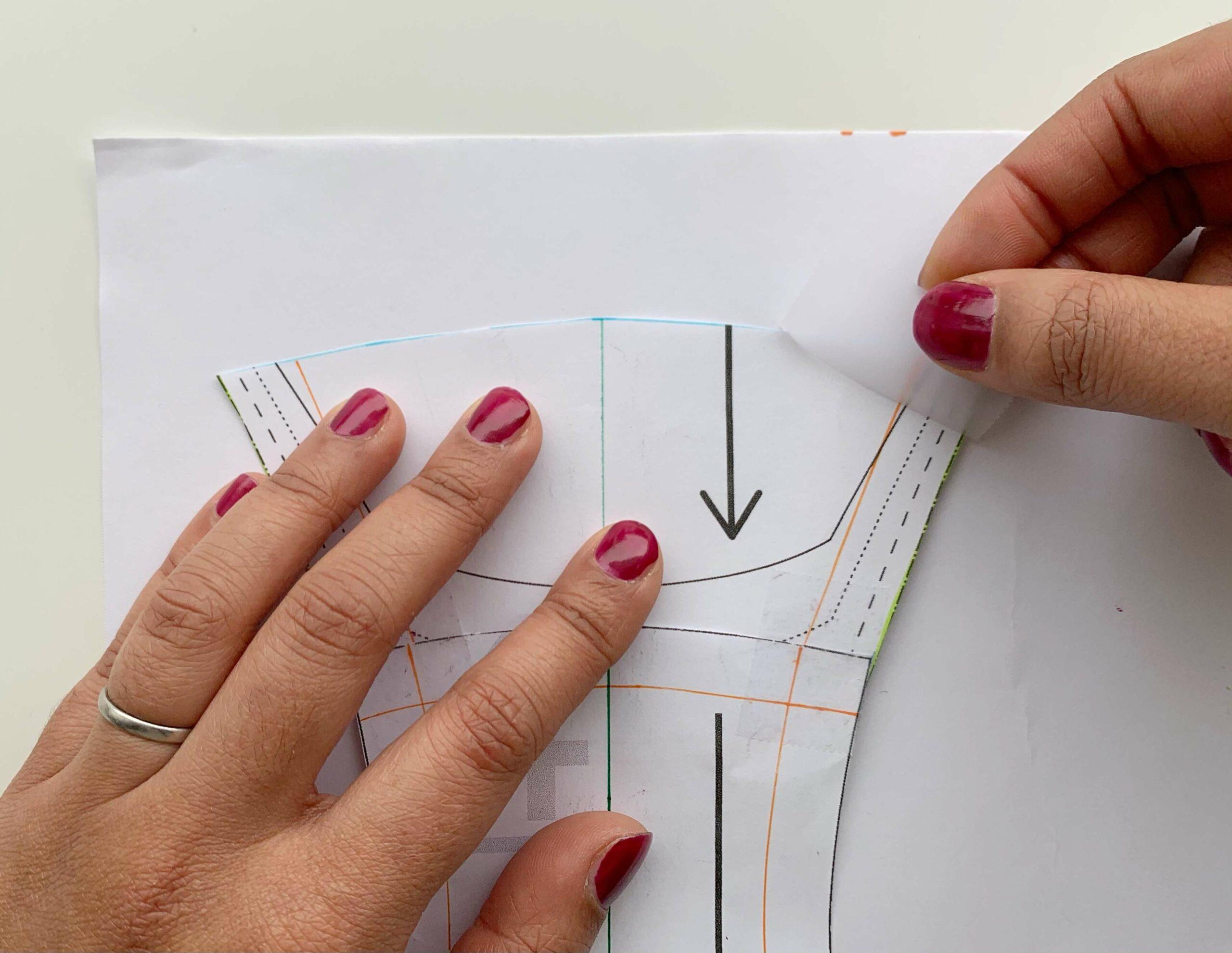 Zeichne die Nahtzugabe zurück in das Muster der Perioden Unterwäsche