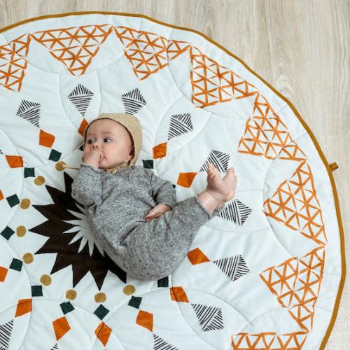Spielmatten für Kinder werden Trend im Sommer 2021