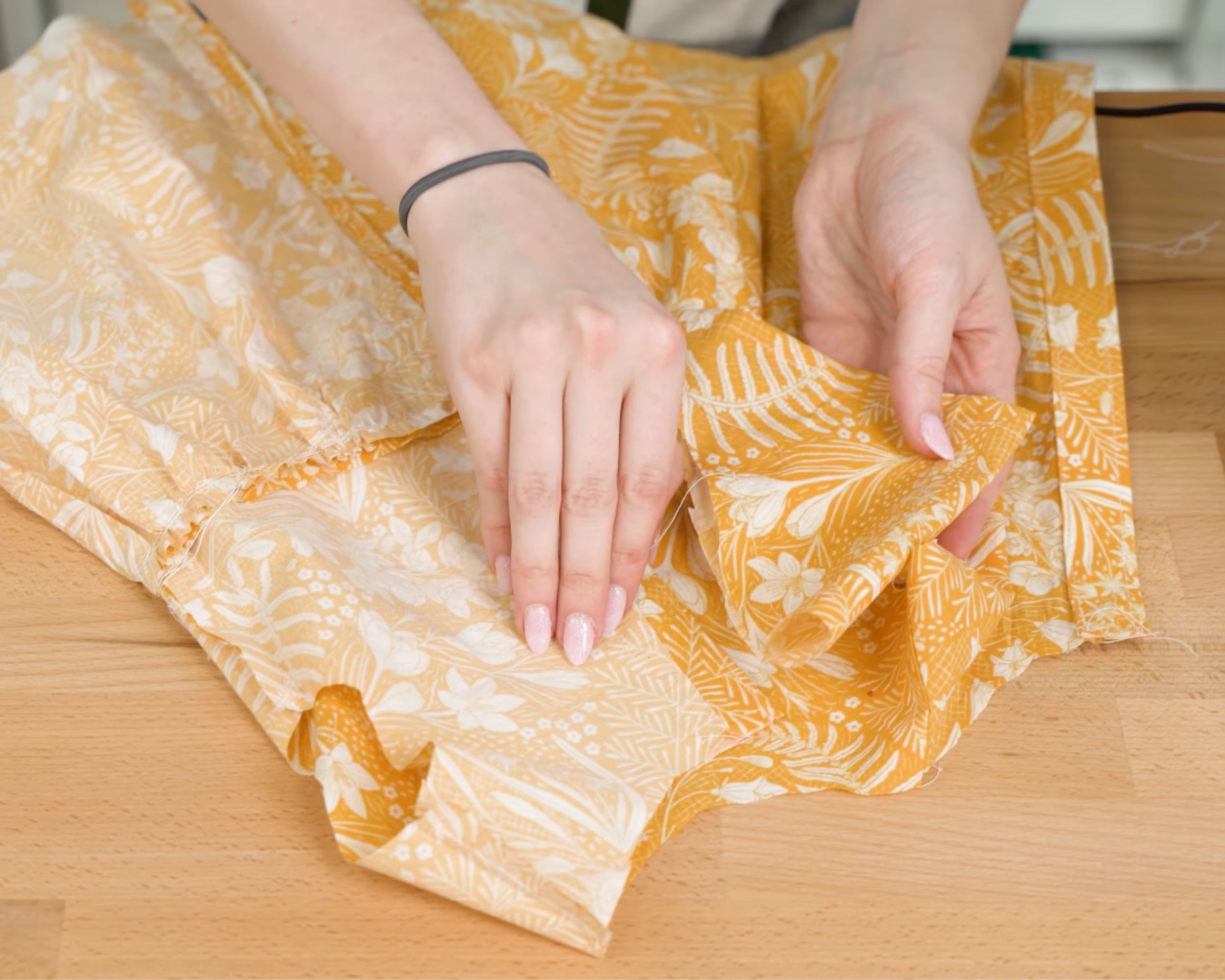 Putting the sleeve inside the bodice